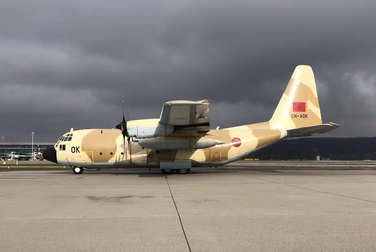 FRA: Photos d'avions de transport - Page 36 Dtfqys10
