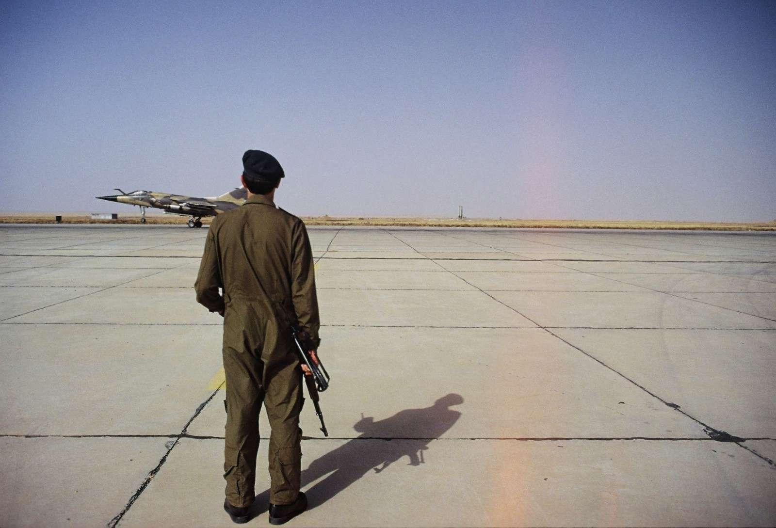Guerre Iran-Irak - Page 3 P03810