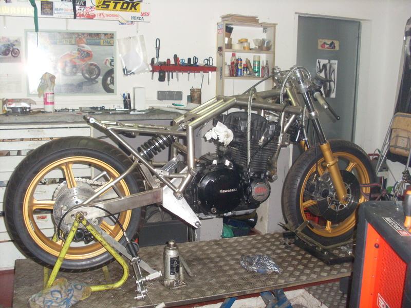 Banc moto fait maison Stok10