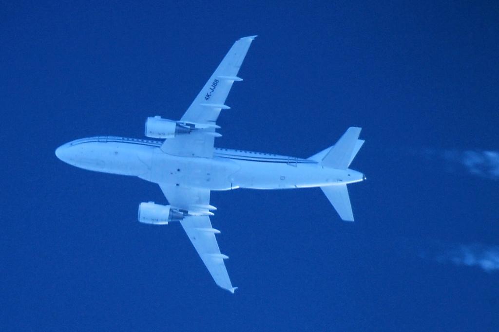 Oradea - aeronave in zbor - Pagina 38 4k-jj812