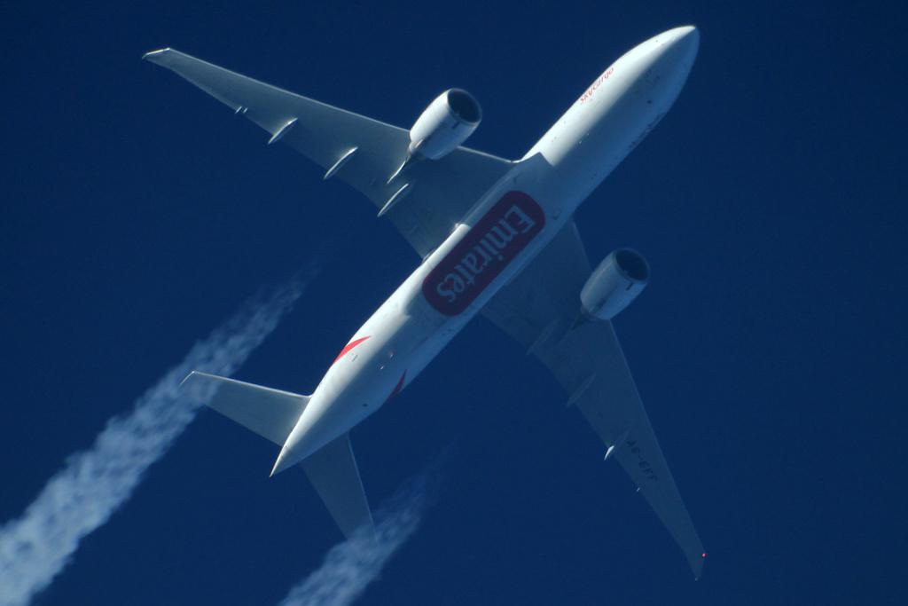 Oradea - aeronave in zbor - Pagina 38 A6-eff11