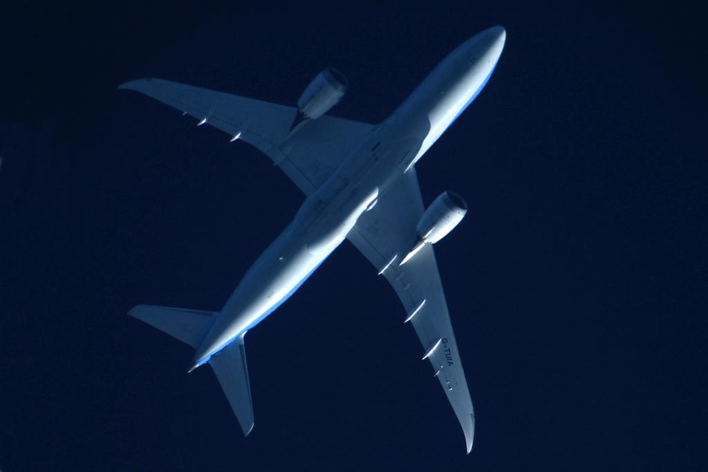 Oradea - aeronave in zbor - Pagina 38 G-tuia11