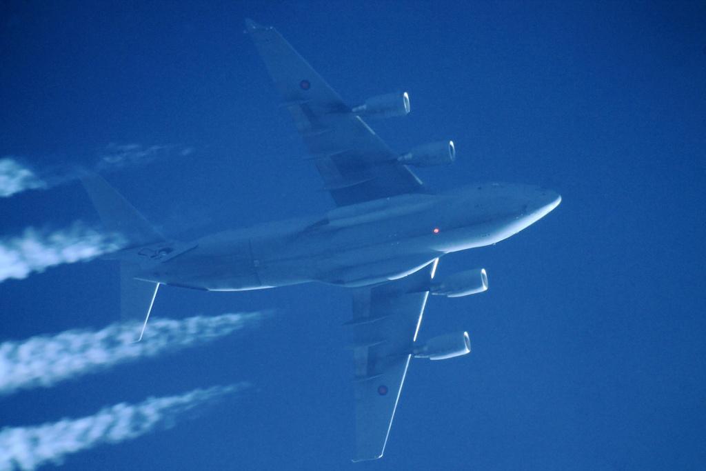 Oradea - aeronave in zbor - Pagina 38 Img_0211