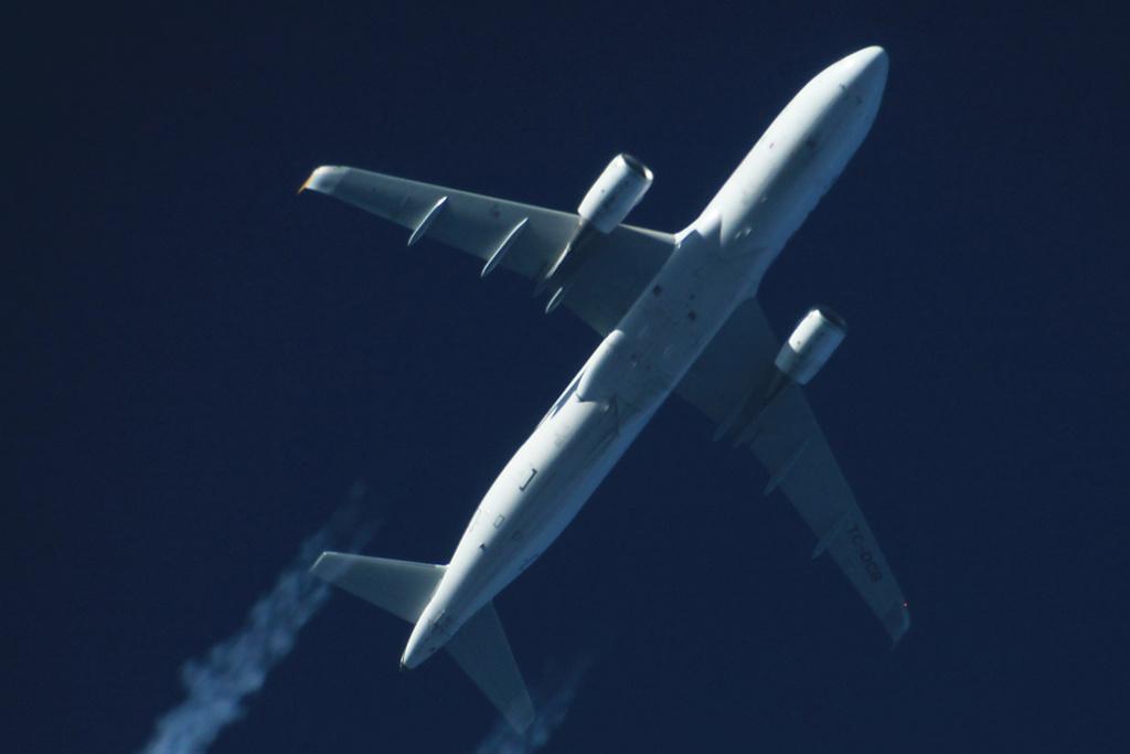 Oradea - aeronave in zbor - Pagina 38 Tc-dcb11
