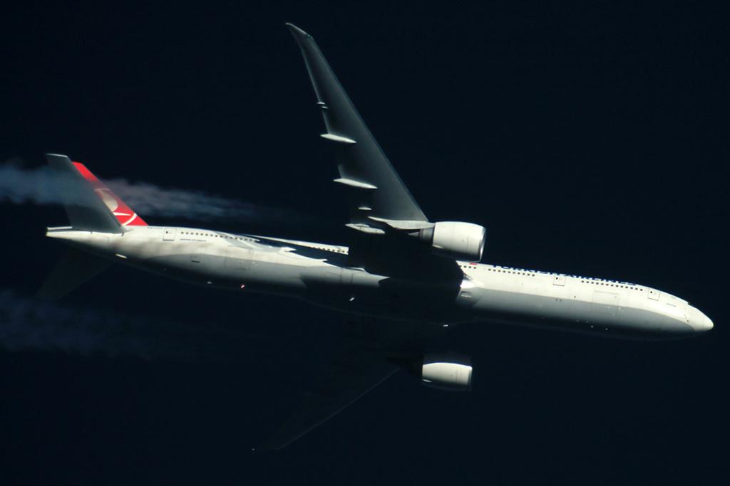 Oradea - aeronave in zbor - Pagina 38 Tc-jjj11