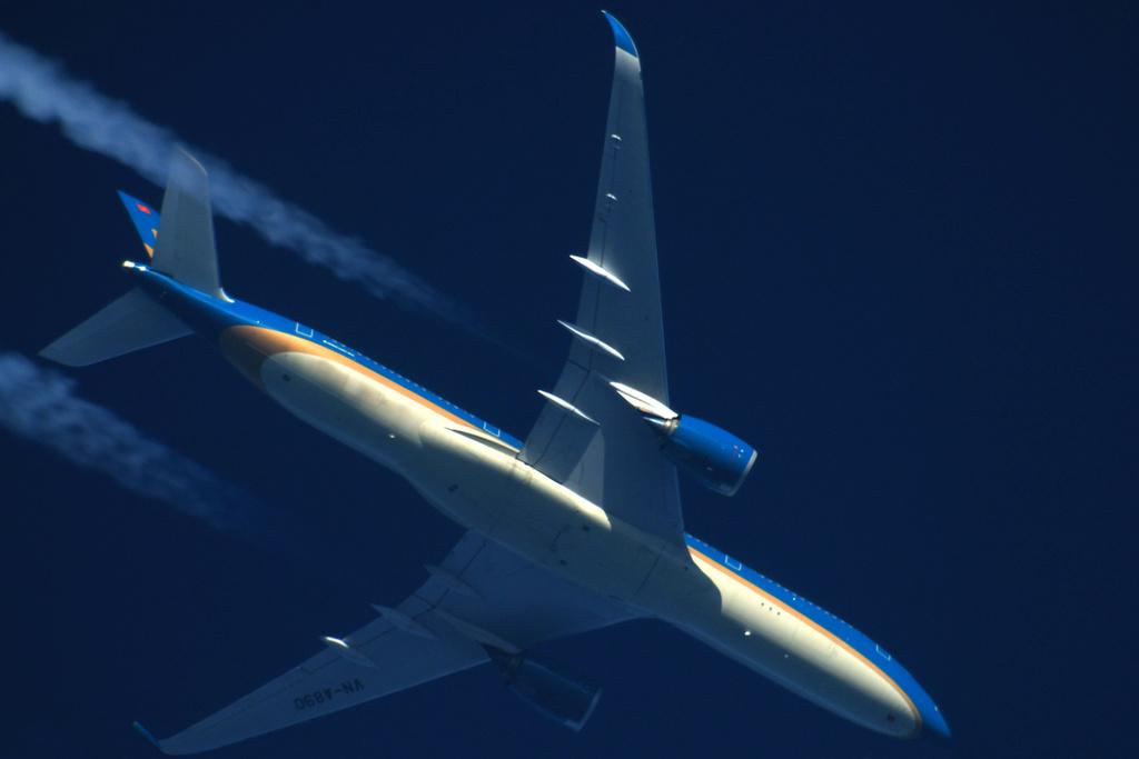 Oradea - aeronave in zbor - Pagina 38 Vn-a8912