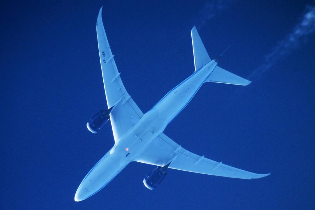 Oradea - aeronave in zbor - Pagina 38 Vp-bbr10