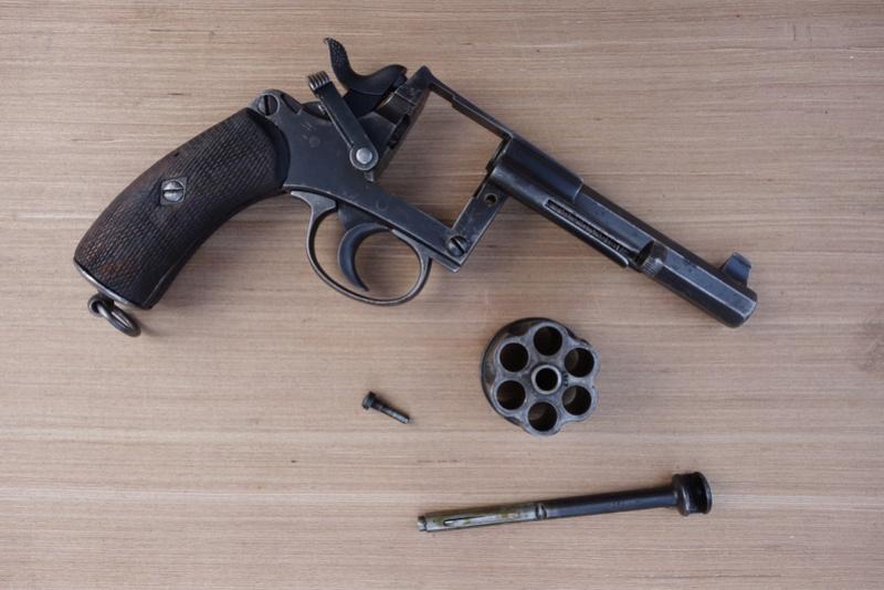 Revolver réglementaire KNIL 1891 Dsc02128