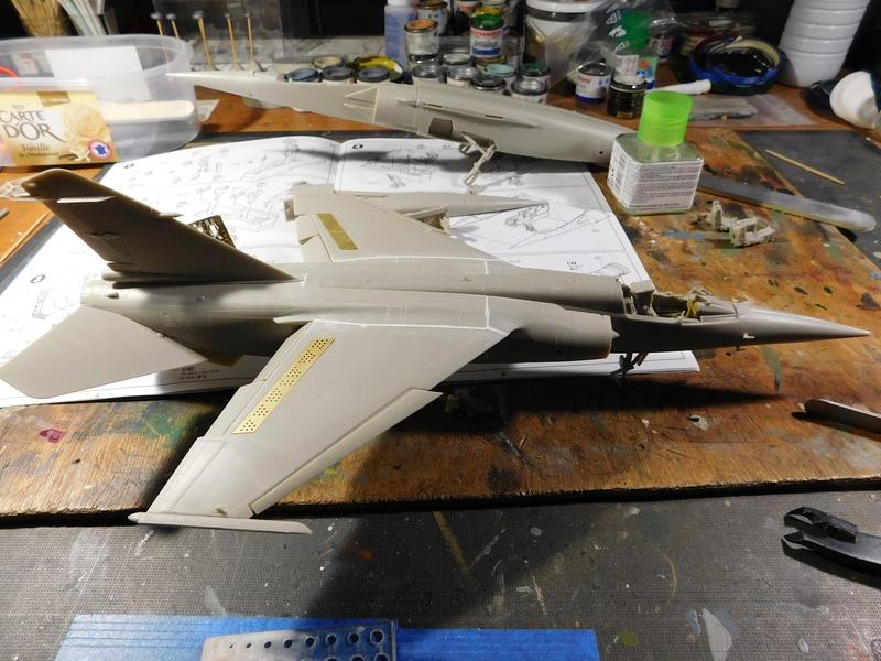 Hommage au F1 (Kittyhawk et Italeri 1/48) Dscn1530