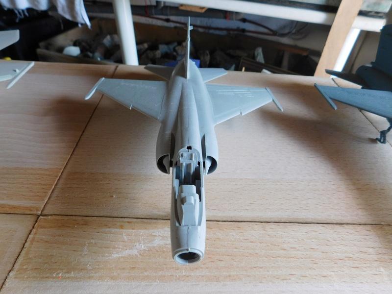 Les  Mirage F1 dans les ateliers Fouga Dscn1756