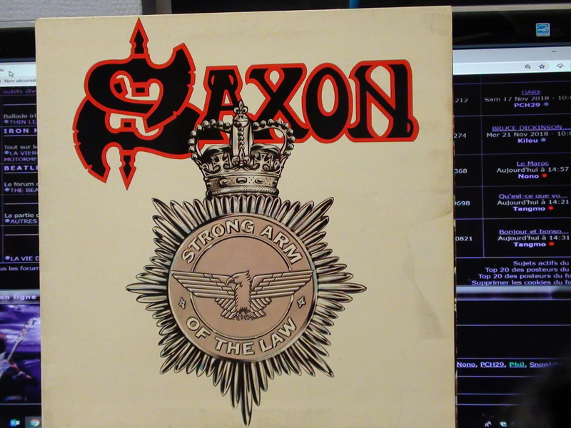 SAXON ..STRONG ARM OF THE LAW Dsc00612
