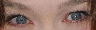 A qui appartiennent ces yeux la - Page 2 Carla-11