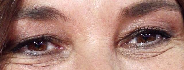 A qui appartiennent ces yeux la - Page 6 La-fil10
