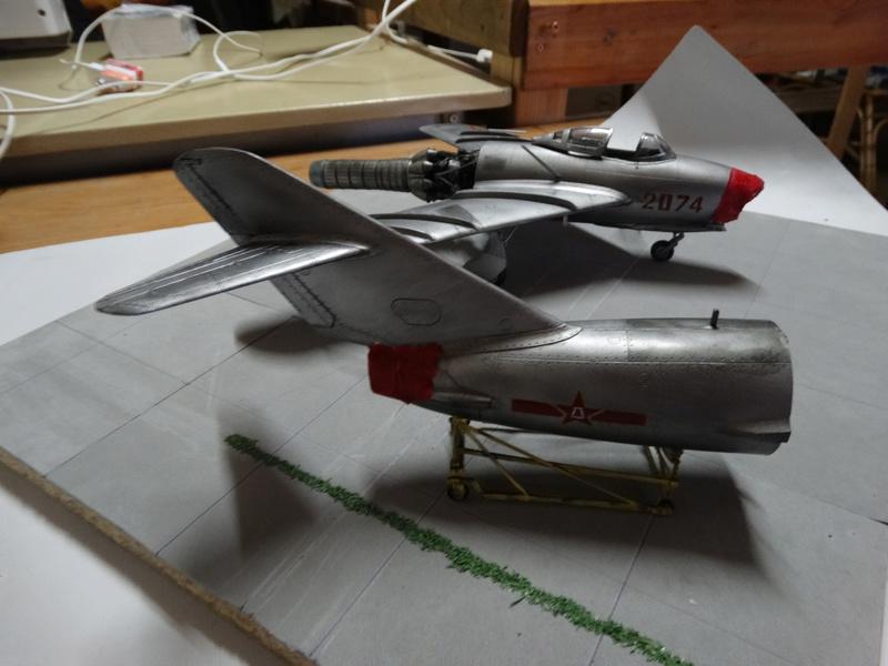 PLAAF F-5 fighter Dsc01059