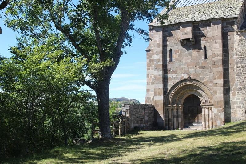La chapelle de Bredons Img_8130
