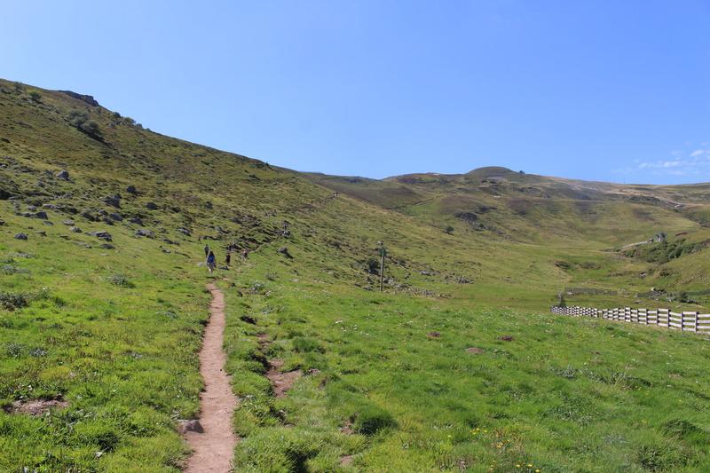 Le Plomb du Cantal et le col de Prat de Bouc Img_8224