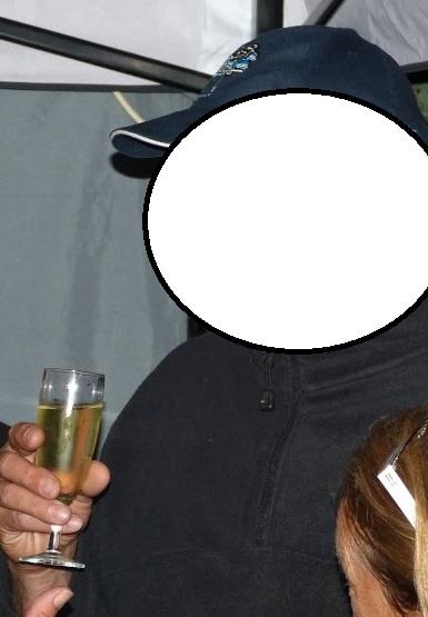 C'est qui sur la photo? - Page 2 2_copi17