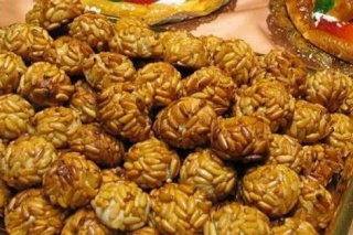 Panellets aux pignons (recette sans patate) Panell10