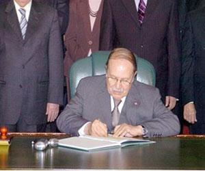 Le nouveau gouvernement algérien !! Bout_710