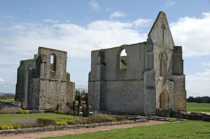 Ruines d'édifices religieux - Page 2 110