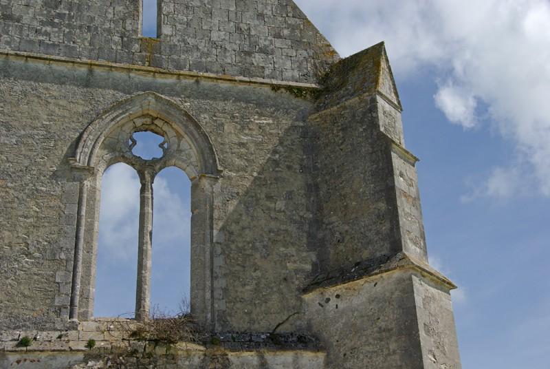 Ruines d'édifices religieux - Page 2 310