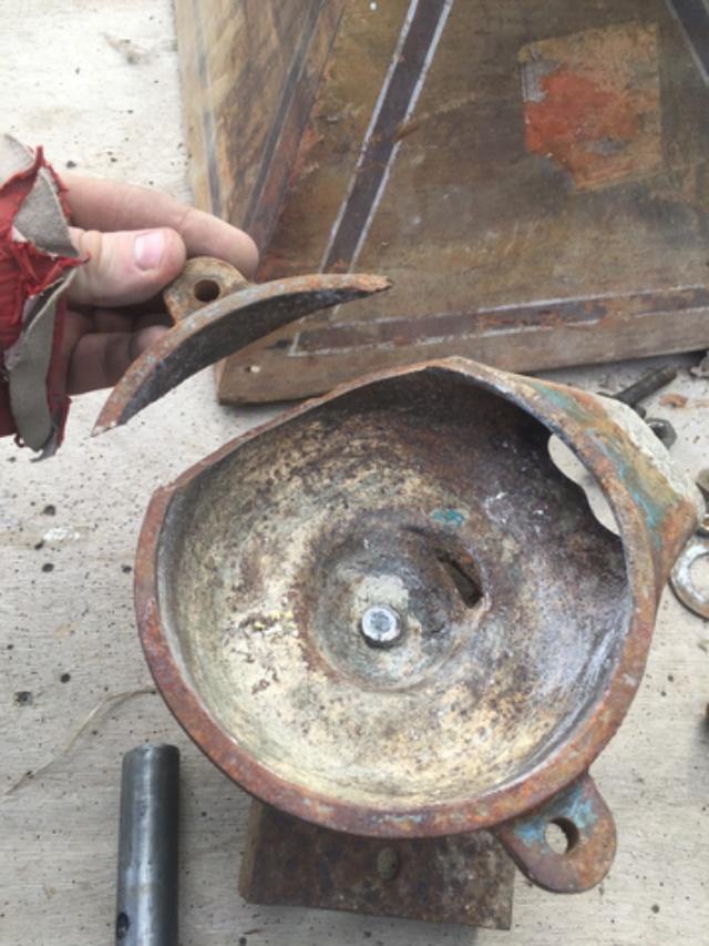 petite restauration d'un ancien moulin a grain Img_2014