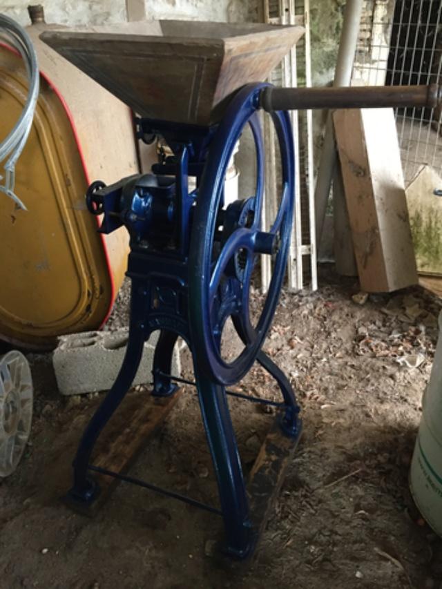 petite restauration d'un ancien moulin a grain Img_2020