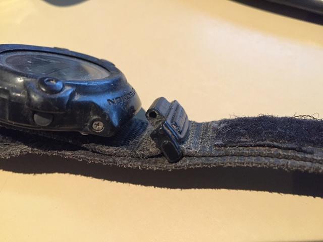 Bracelet complet et attache (flexibles) pour montre Casio G-Shock Img_2213