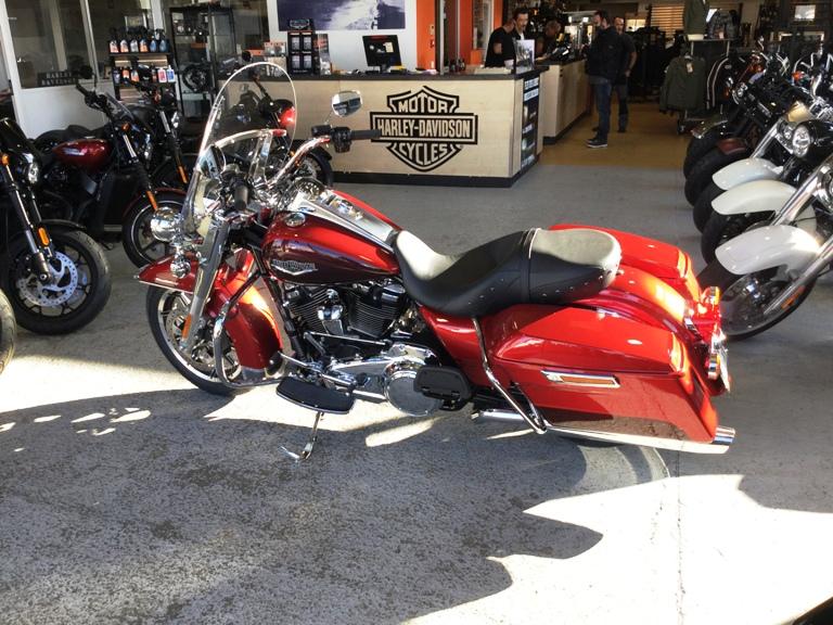 Road King uniquement, combien sur Passion-Harley  - Page 13 Img_2313