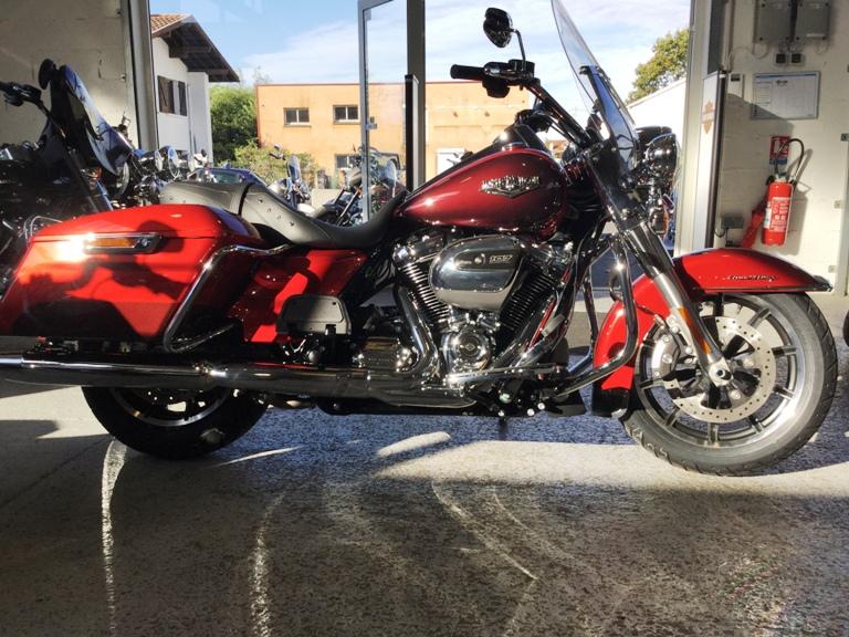 Road King uniquement, combien sur Passion-Harley  - Page 13 Img_2314