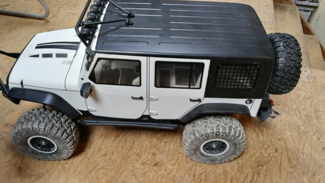 [TRACTION HOBBY CRAGSMAN] Jeep Wrangler mod Unlimited Img_2038