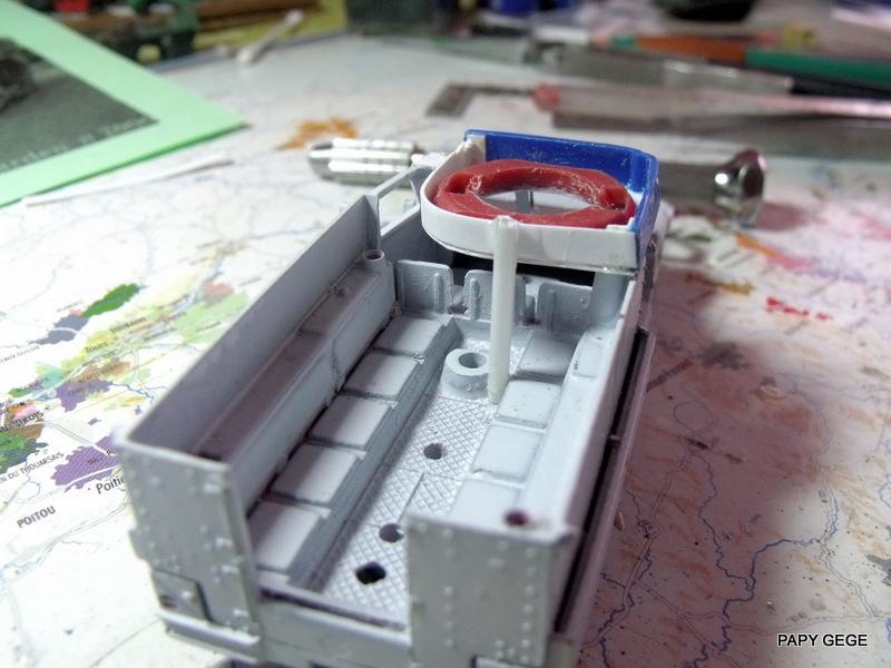 HALF-TRACK M3 TRANSPORT DE TROUPE au 1/50 + M3 AMBULANCE Half_t15