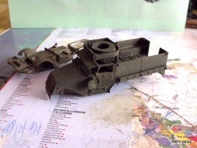HALF-TRACK M3 TRANSPORT DE TROUPE au 1/50 + M3 AMBULANCE Half_t17