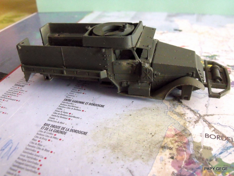 HALF-TRACK M3 TRANSPORT DE TROUPE au 1/50 + M3 AMBULANCE Half_t19