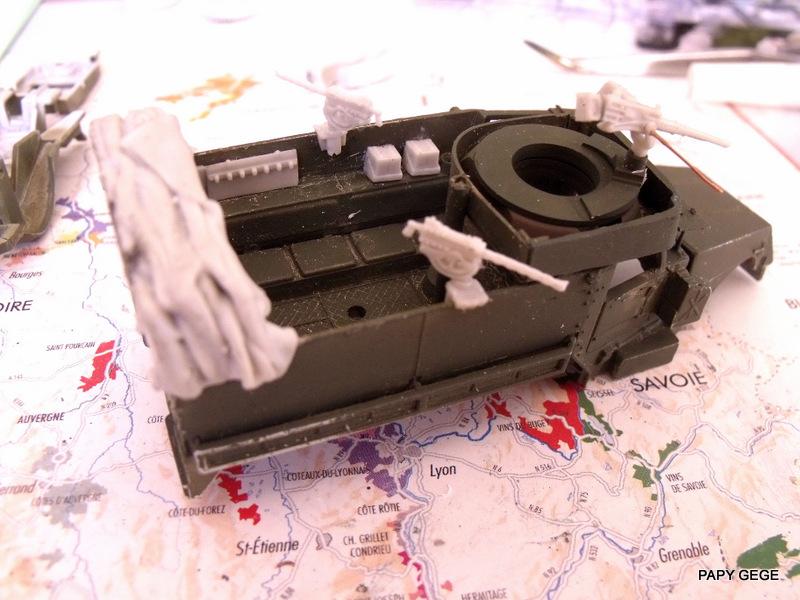 HALF-TRACK M3 TRANSPORT DE TROUPE au 1/50 + M3 AMBULANCE Half_t20