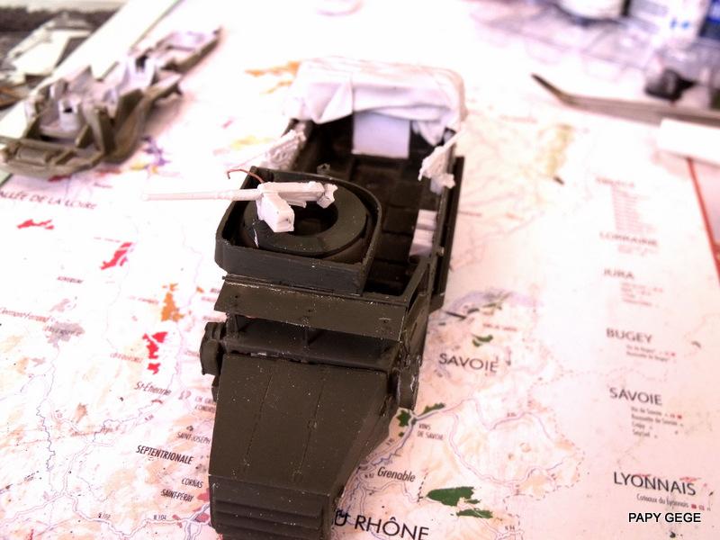 HALF-TRACK M3 TRANSPORT DE TROUPE au 1/50 + M3 AMBULANCE Half_t22