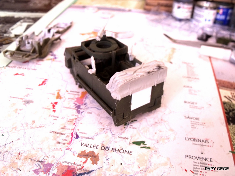 HALF-TRACK M3 TRANSPORT DE TROUPE au 1/50 + M3 AMBULANCE Half_t23
