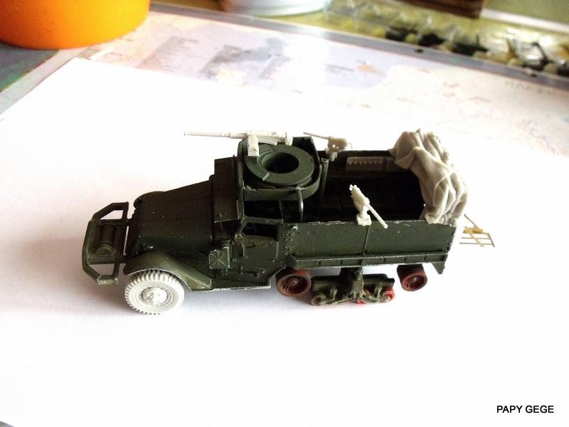 HALF-TRACK M3 TRANSPORT DE TROUPE au 1/50 + M3 AMBULANCE Half_t24