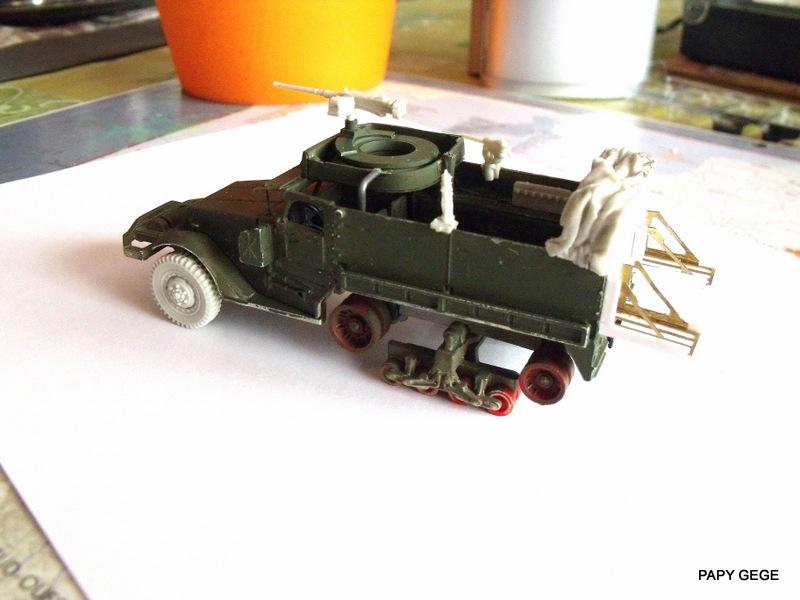 HALF-TRACK M3 TRANSPORT DE TROUPE au 1/50 + M3 AMBULANCE Half_t26