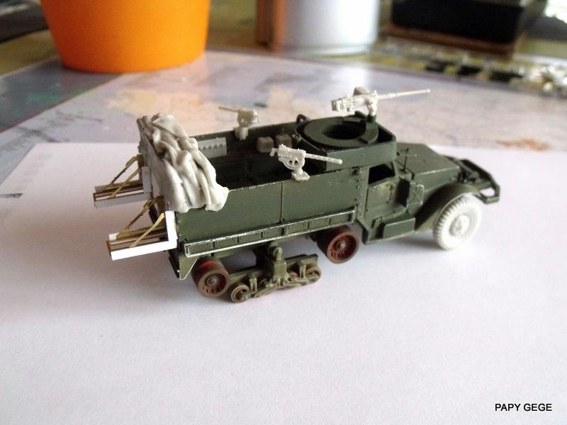HALF-TRACK M3 TRANSPORT DE TROUPE au 1/50 + M3 AMBULANCE Half_t27