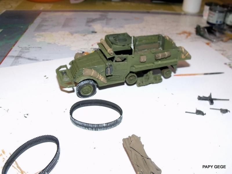 HALF-TRACK M3 TRANSPORT DE TROUPE au 1/50 + M3 AMBULANCE Half_t30