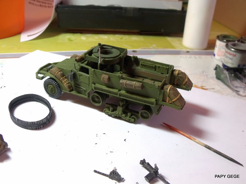 HALF-TRACK M3 TRANSPORT DE TROUPE au 1/50 + M3 AMBULANCE Half_t32