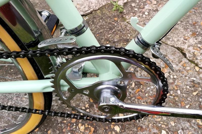 support neuf de carter de chaine pour nos vieux vélos Img_2152