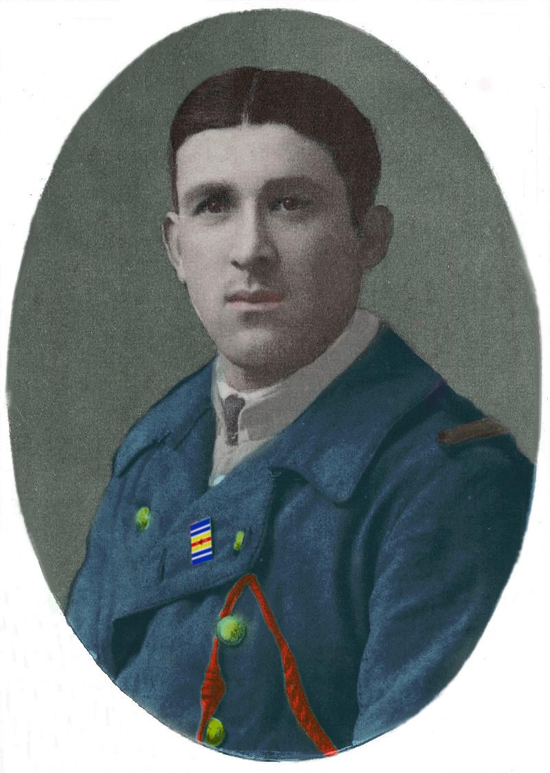 Un petit soldat de la grande guerre : portrait retouché. - Page 19 Chivot18