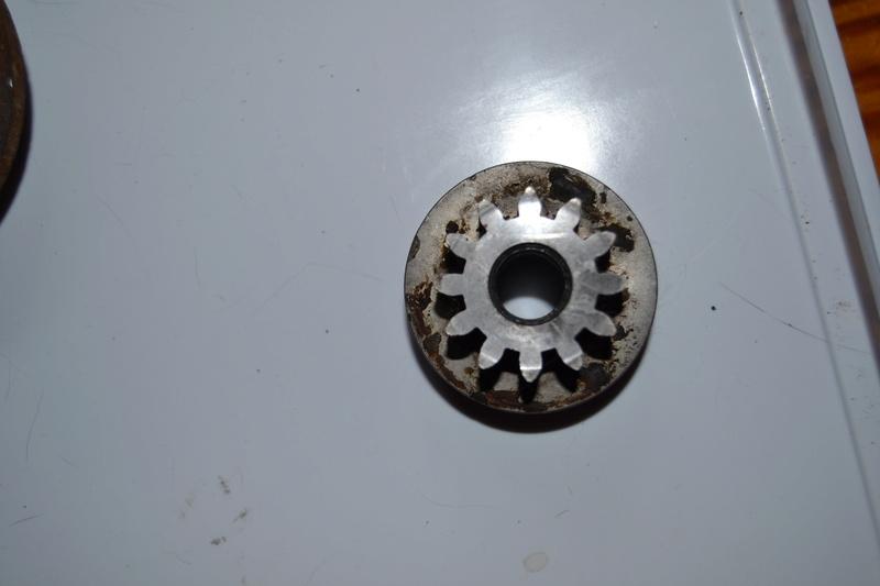 Problème de direction avec une tondeuse autoportée GUTBROD Dsc_1512
