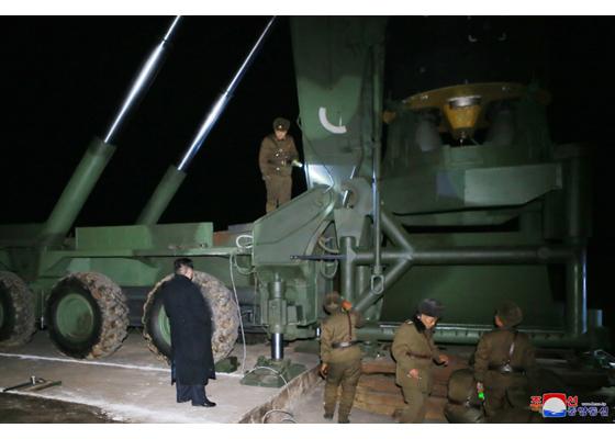 Développement des fusées et missiles et la Corée du Nord - Page 5 Hwason12