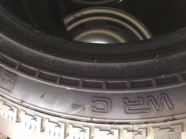 2 pneus neige NOKIAN Img_0210