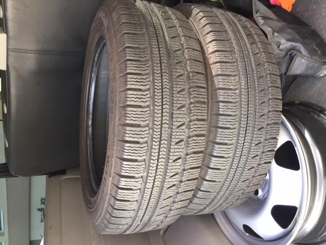 2 pneus neige NOKIAN Img_0212