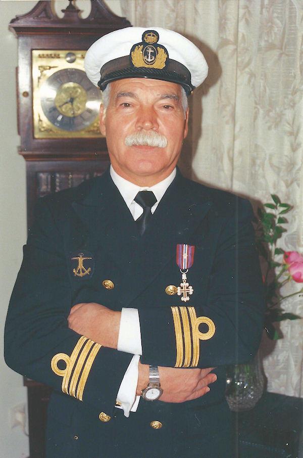 Faleceu o veterano Augusto José Lobo Cesário, 1.º Tenente da Armada Portuguesa - 25Mai2018_1 August11