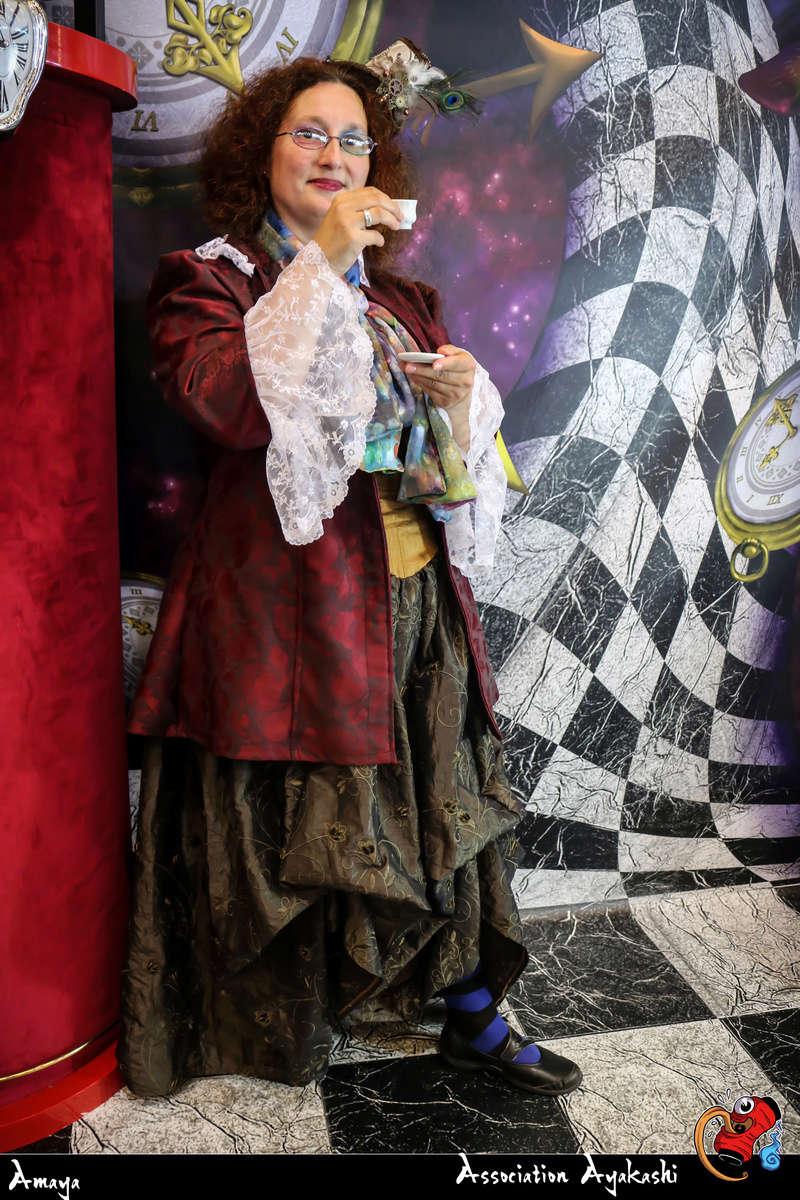 [Costumes] Robes de Princesses et tenues de Princes - Page 24 37588310